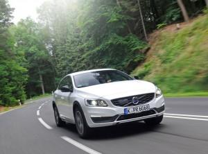 Kurztest Volvo S60 Cross Country D4: Raue Schale. © spothits/Auto-Medienportal.Net/Volvo