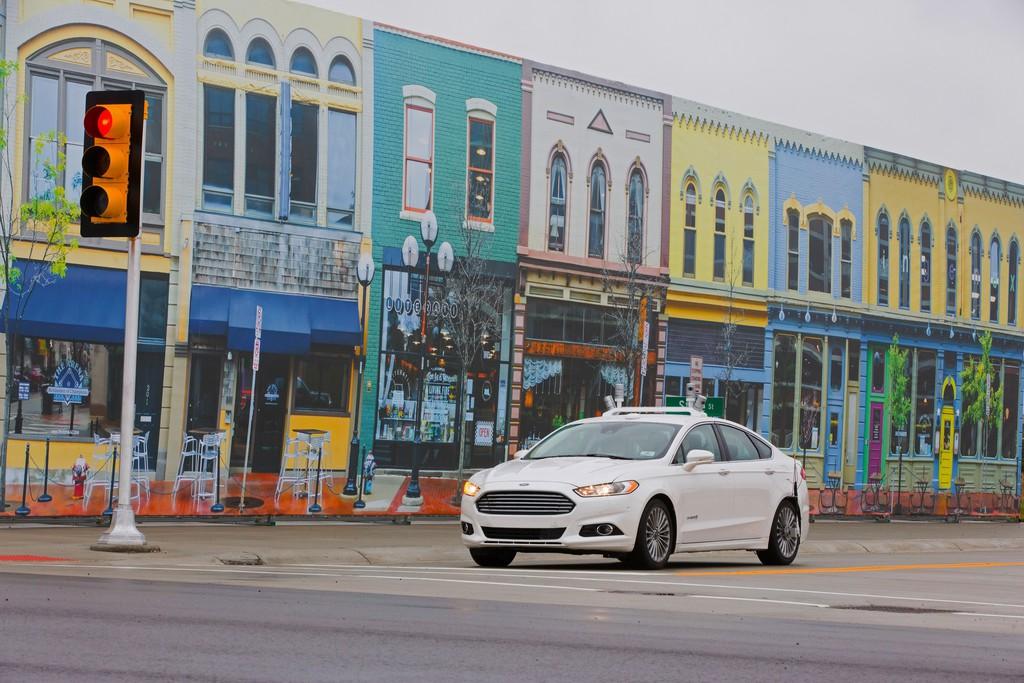 Ford fährt als erster Hersteller durch Mcity. © spothits/Auto-Medienportal.Net/Ford