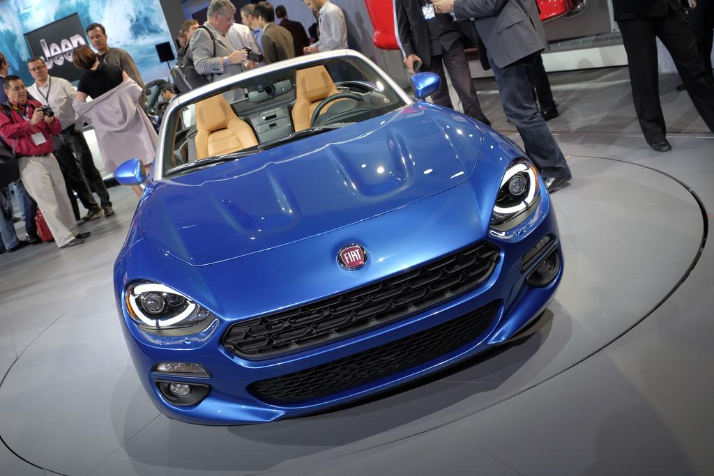 Los Angeles 2015: Der Fiat 124 Spider ist zurück. © spothits/Auto-Medienportal.Net