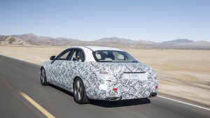 Abnahmefahrt in der neuen E-Klasse: Der Mercedes schlechthin. © spothits/Auto-Medienportal.Net/Daimler