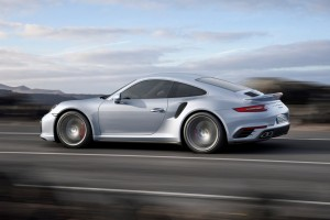 Porsche Turbo zeitgleich als Coupé und Cabrio. © spothits/Auto-Medienportal.Net/Porsche