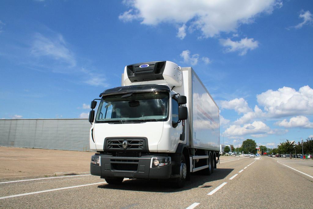 Neuer Motor für Renault D Wide und C Cab. © spothits/Auto-Medienportal.Net/Renault Trucks