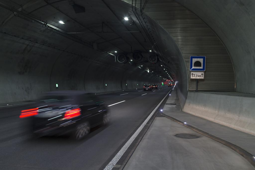 Ratgeber: Richtiges Verhalten im Tunnel. © spothits/Auto-Medienportal.Net/ADAC