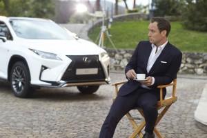 Lexus setzt beim RX auf Jude Law. © spothits/Auto-Medienportal.Net/Lexus