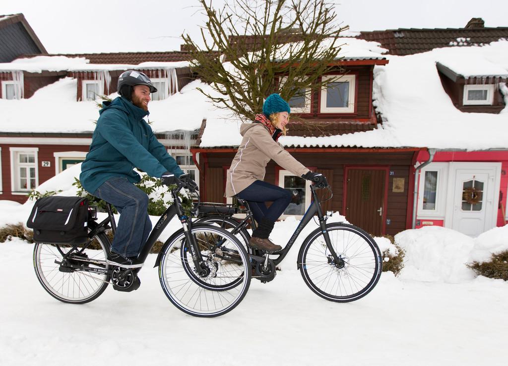 Ratgeber für Radfahren im Winter: Schutz für den Akku und Spikes. © spothits/Auto-Medienportal.Net/Prewssedienst Fahrrad