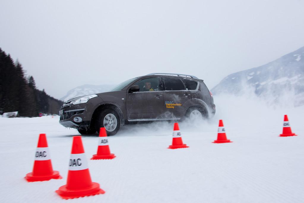 Geschenkgutscheine für Fahrsicherheitstraining. © spothits/Auto-Medienportal.Net/ADAC