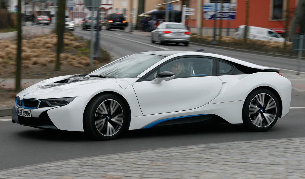 Fahrbericht BMW i8: Leuchtendes Vorbild zart gedimmt. © spothits/Auto-Medienportal.Net/Busse