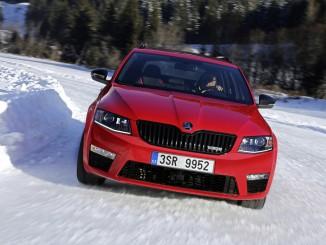 Skoda Winter Challenge 2016: Alle Viere und die Sauglätte. © spothits/Auto-Medienportal.Net/Skoda