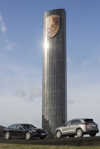 Photovoltaik-Pylon von Porsche ist fertig. © spothits/Auto-Medienportal.Net/Porsche