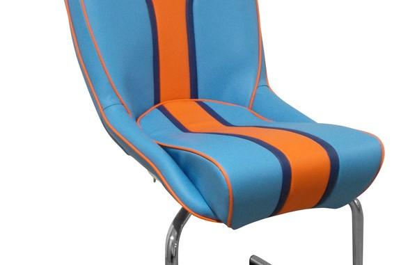 Cobra Seats bringt Sessel und Sofa im Gulf-Design. © spothits/Auto-Medienportal.Net/Cobra Seats