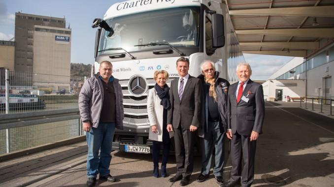 Daimler schickt vierten Hilfskonvoi zu Flüchtlingslagern. © spothits/Auto-Medienportal.Net/Daimler