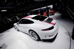 Genf 2016: Porsche 911 ohne unnötigen Ballast . © spothits/Auto-Medienportal.Net/Manfred Zimmermann