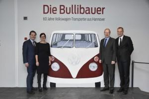 """Ausstellung: """"Die Bullibauer"""" aus Hannover. © spothits/Auto-Medienportal.Net/Volkswagen"""