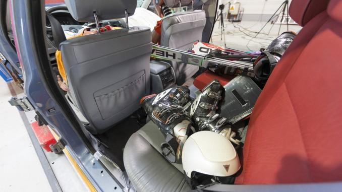 Ratgeber: Damit das Gepäck nicht zum Geschoss wird. © spothits/ADAC