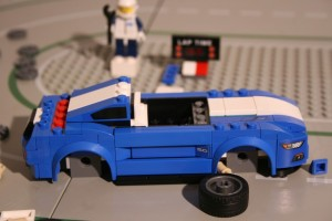 Ausprobiert: Ford Mustang von Lego – Aufkleber verdammt nah am Original. © spothits/Auto-Medienportal.Net