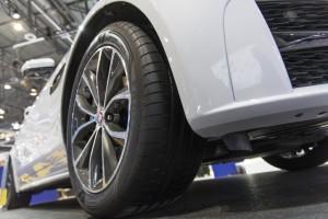 Goodyears neuer UHP-Reifen liegt beim Bremsen breiter auf. © spothits/Goodyear Dunlop
