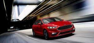 US-Ford Fusion: Im Fall des Falles hoch das Bein. © spothits/Ford