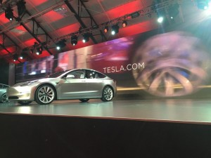 Update Pressepräsentation Tesla Model 3: Das Auto zum Kult. © spothits/Tesla Model 3. Foto: Foto: Jeff Jablansky