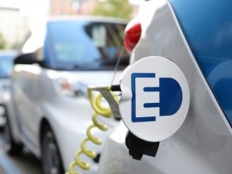 Car-Sharing als Türöffner für die Elektromobilität. © spothits/Car-Sharing von Car2go in Berlin mit Smart Fortwo Electric Drive. Foto: Daimler