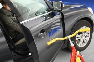 Autotür von Kiekert eckt nicht an. © spothits/Kiekert hat eine bei Hindernissen selbststoppende Autotür entwickelt. Foto: Kiekert
