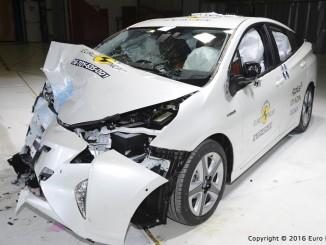 Euro NCAP: Toyota Prius besteht – Suzuki Baleno muss zweimal ran. © spothits/Toyota Prius im Euro-NCAP-Crashtest./Foto: Euro NCAP