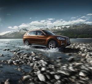 Peking 2016: Auch Jaguar und BMW machen sich lang. © spothits/BMW X1 Li (Langversion für China)./Foto: BMW