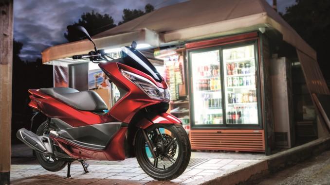 Honda PCX125: Mit Start-Stopp-Automatik und Euro4. © spothits/Honda