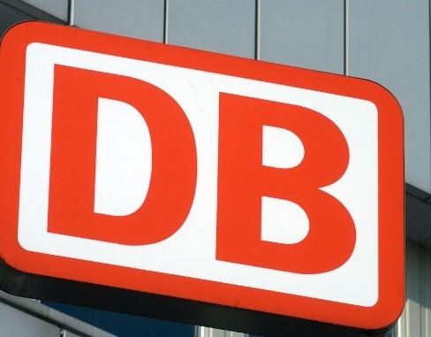 """Die Deutsche Bahn will mehr als nur """"mooveln"""". © spothits/Logo Deutsche Bahn./Foto: Auto-Medienportal.Net/Deutsche Bahn"""