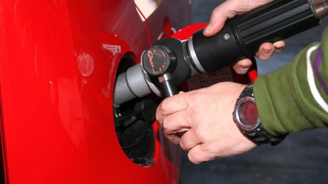 Initiative Erdgasmobilität empfiehlt Steuerermäßigung bis mindestens 2026. © spothits/Erdgas tanken./Foto: Auto-Medienportal.Net
