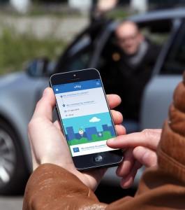 """ZF kooperiert mit Mitfahrzentrale Bla-Bla-Car. © spothits/Mit der Integration von Bla-Bla-Car bindet die Mobilitäts-App """"uflip"""" der ZF-Denkfabrik jetzt auch eine Option für Langstreckenreisen mit dem Auto ein./Foto: ZF"""