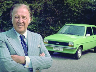 Ford Fiesta feiert 40. Geburtstag. © spothits/Henry Ford ll mit dem ersten Ford Fiesta (1976)./Foto: Ford