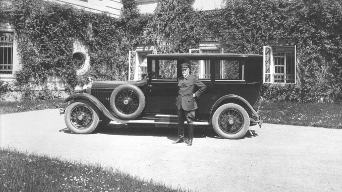Im Rückspiegel: Skoda in Diensten der Staatspräsidenten. © spothits/Staatspräsident Tomáš Garrigue Masaryk erhielt im Mai 1926 einen Skoda Hispano-Suiza./Foto: Skoda