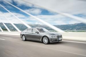 BMW 7er bekommt den weltweit stärksten Sechs-Zylinder-Diesel. © spothits/Motor des BMW 750d xDrive./Foto: BMW