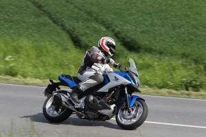 Motorradführerschein: EU-Klage gegen Deutschland. © spothits/Ein Motorrad wie die Honda NC 750 X mit 40 kW / 55 PS kann auch als A2-Ausführung mit 35 kW / 48 PS bestellt werden./Foto: Honda