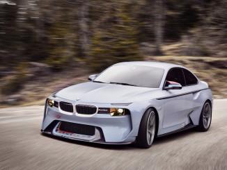 Hommage von BMW an den 2002 und die R 5. © spothits/BMW 2002 Hommage./Foto: BMW