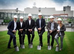 """Mercedes-Benz in Rastatt baut sich einen Offroad-Parcour. © spothits/Spatenstich für """"A-Rock"""" Fahrerlebnis und Eventparcours beim Mercedes-Benz Kundencenter Rastatt"""