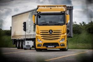 Mercedes-Trucks: Der Lkw wird zur rollenden Datenzentrale. © spothits/Hersteller