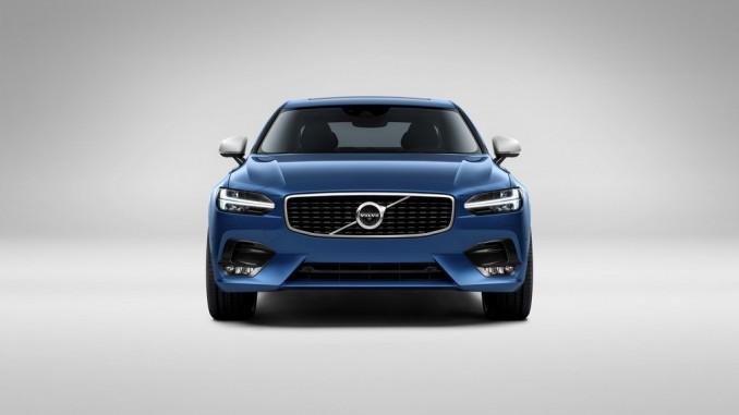Neuer großer Volvo tritt auch im R-Design an. © spothits/Hersteller