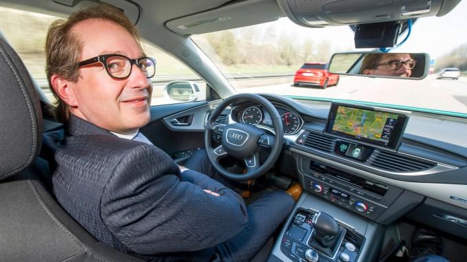 Dobrindt gibt frei Fahrt für autonomes Fahren. © spothits/Auto-Medienportal.Net/Audi