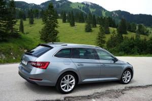 """J.D.Power und """"Auto Test"""" hatten die Kunden im Blick. © spothits/Hersteller"""