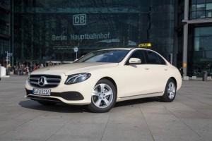 Mercedes-Benz bietet E-Klasse als Taxi. © spothits/Daimler