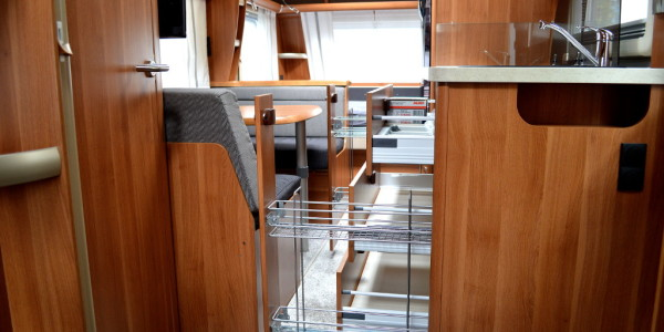 Test Fendt Saphir 515: Einachsige Dreiraumwohnung. © spothits