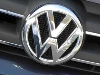 Bei Volkswagen geht's weiter. © spothits/VW-Logobild