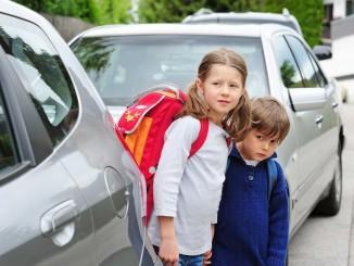 Schulanfänger sollen ihre Eltern zur Schule bringen. © spothits/Auto-Medienportal.Net/somenski-Fotolia