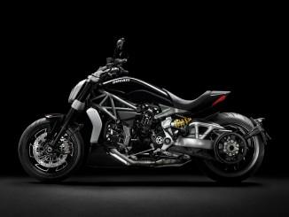 Ducati prüft Felgenmontage der X-Diavel S. © spothits/Auto-Medienportal.Net/Ducati