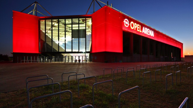 Opel-Arena wird eröffnet. © spothits/Opel