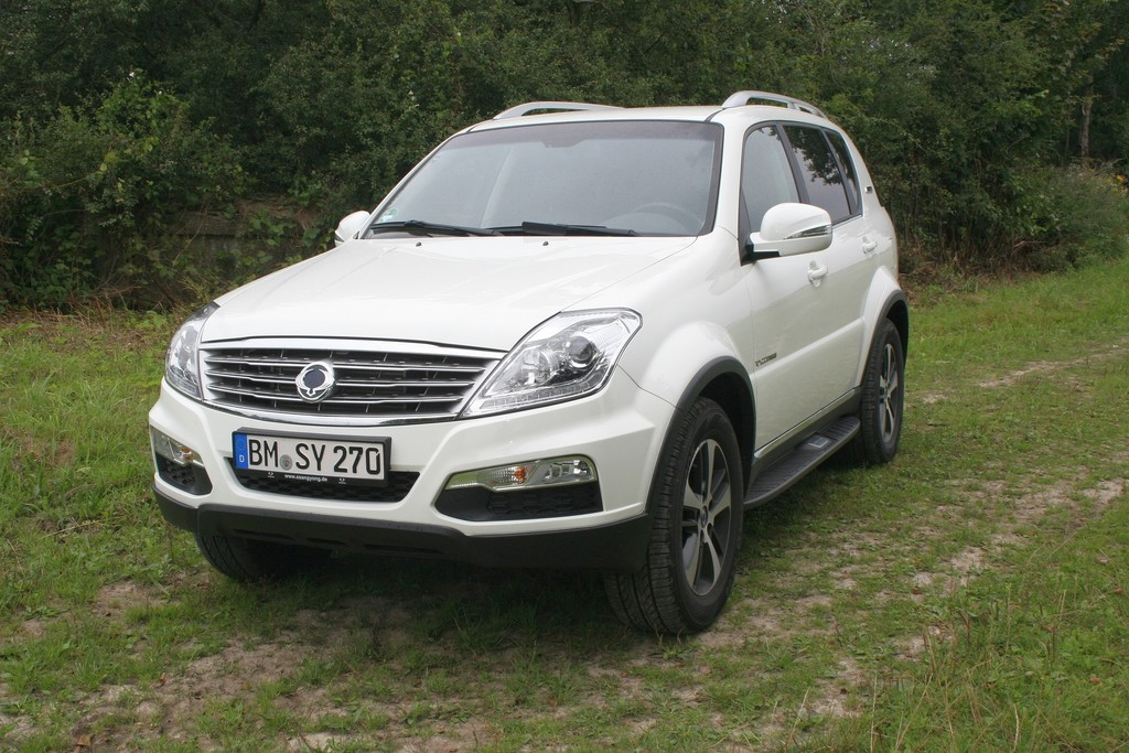 ssangyong rexton w executive spothits. Black Bedroom Furniture Sets. Home Design Ideas