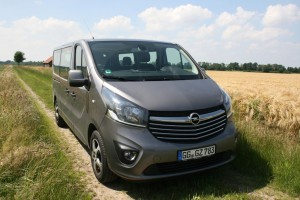 Opel Vivaro Combi: Pkw-Komfort gibt's nicht zum Nulltarif. © spothits/Jens Riedel