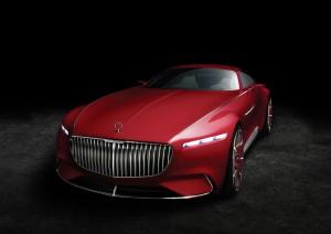 Pebble Beach: Vision Mercedes-Maybach 6 tankt in fünf Minuten Strom für 100 Kilometer. © spothits/Daimler