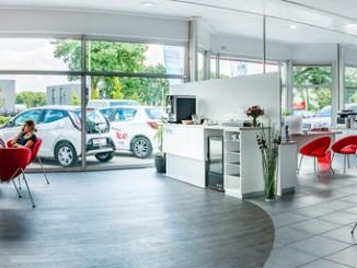 Toyota richtet seine Autohäuser neu aus und ein. © spothits/Toyota